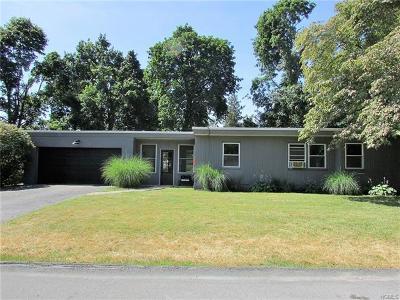 Newburgh Single Family Home For Sale: 409 Balmville Terrace