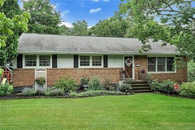 Newburgh Single Family Home For Sale: 3 Tulip Lane