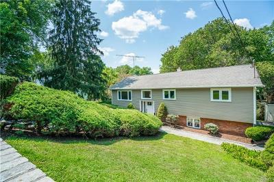 Westchester County Single Family Home For Sale: 2677 Broadview Drive