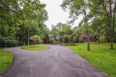 Bedford Single Family Home For Sale: 370 Pine Brook Road
