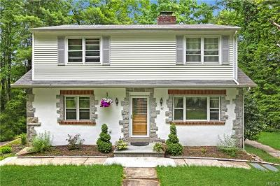 Westchester County Single Family Home For Sale: 47 Entrance Way