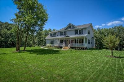 New Windsor Single Family Home For Sale: 720 Mt Airy Road