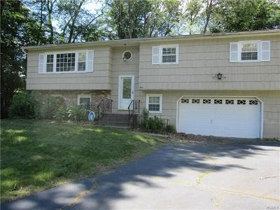 Rockland County Single Family Home For Sale: 3 Candlewood Court