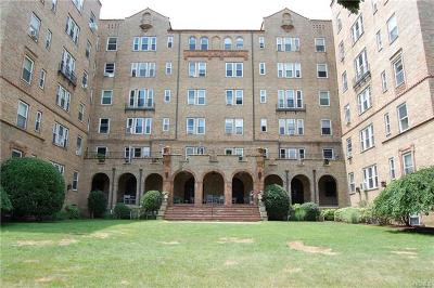 Westchester County Condo/Townhouse For Sale: 490 Bleeker Avenue #3I