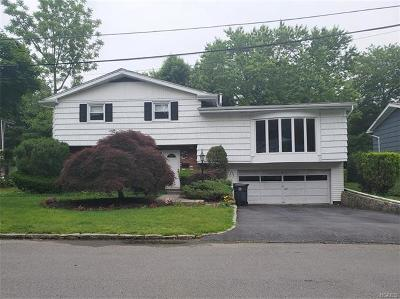 Westchester County Single Family Home For Sale: 7 Clarendon Place