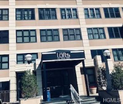 New Rochelle Co-Operative For Sale: 100 New Roc City Place #109