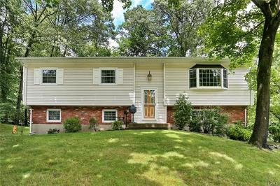 Rockland County Single Family Home For Sale: 30 Twin Lakes Drive
