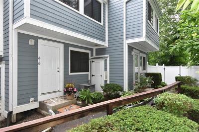 Mount Kisco Condo/Townhouse For Sale: 25 Barker Street #610