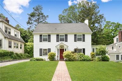 White Plains Single Family Home For Sale: 22 Harvard Court