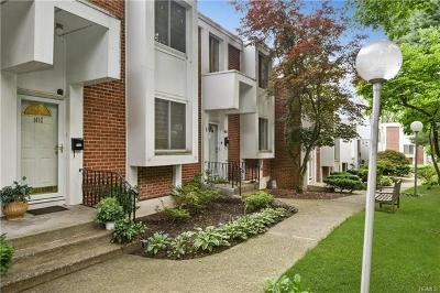 Hartsdale Condo/Townhouse For Sale: 1412 Fox Glen Drive