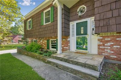 New Windsor Single Family Home For Sale: 126 Sycamore Drive