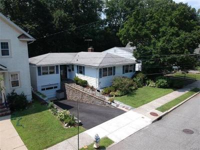 Pelham Single Family Home For Sale: 23 Chestnut Avenue