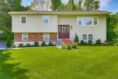 Spring Valley Single Family Home For Sale: 1 Fairway Oval
