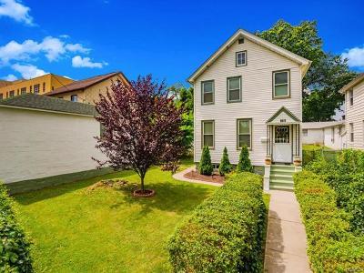 Pelham Bay Single Family Home For Sale: 3073 Bruckner Boulevard