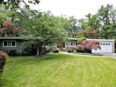 Mamaroneck Single Family Home For Sale: 996 Old White Plains Road
