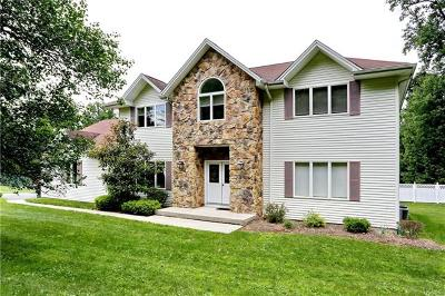 Rockland County Single Family Home For Sale: 1 Clay Court