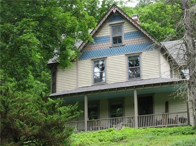 Wassaic Single Family Home For Sale: 6 Maple Leaf Way