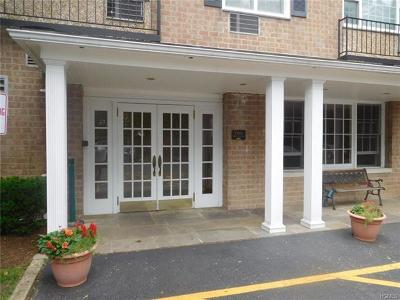 Westchester County Condo/Townhouse For Sale: 2 Consulate Drive #1C