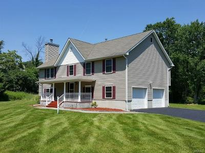 New Windsor Single Family Home For Sale: 304 Temple Hill Road