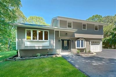 Cortlandt Manor Single Family Home For Sale: 35 Fawn Ridge Drive