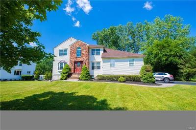 Pomona Single Family Home For Sale: 26 Anderson Road