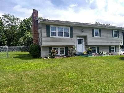 Middletown Single Family Home For Sale: 12 Mermaid Road
