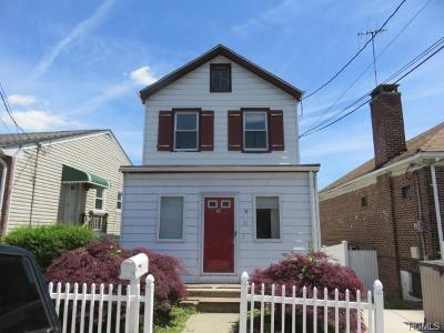 Yonkers Single Family Home For Sale: 42 Aqueduct Avenue