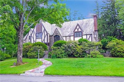 New Rochelle Single Family Home For Sale: 105 Mildred Parkway
