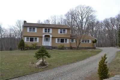 Bedford Single Family Home For Sale: 164 Hickory Kingdom Road