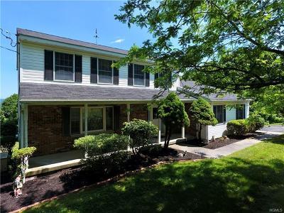 Newburgh Single Family Home For Sale: 28 Calvin Lane