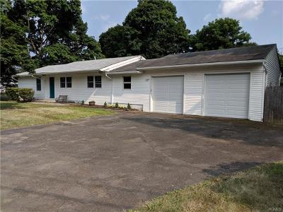 Newburgh Single Family Home For Sale: 12 Overlook Drive
