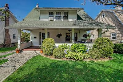 White Plains Single Family Home For Sale: 157 Davis Avenue