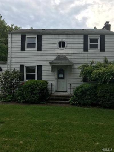 White Plains Single Family Home For Sale: 61 Bradford Avenue