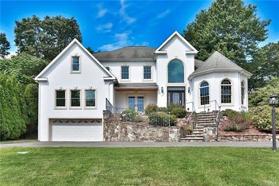 Elmsford Single Family Home For Sale: 16 Crescent Drive South