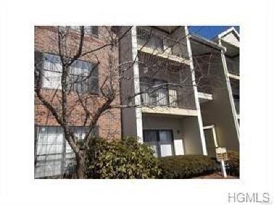 Peekskill Condo/Townhouse For Sale: 23 Huntington Circle #23