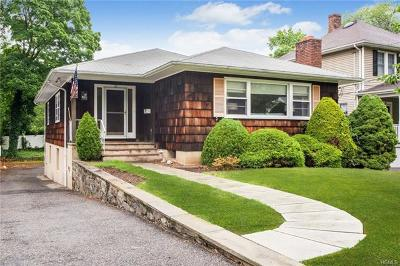 Larchmont Single Family Home For Sale: 23 Holly Place