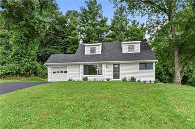 Cortlandt Manor Single Family Home For Sale: 144 Rita Drive