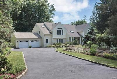 Bedford Single Family Home For Sale: 1 Hickory Kingdom Road