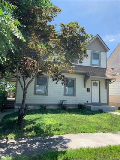 Newburgh Single Family Home For Sale: 26 Forsythe Place