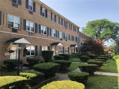 Yonkers Condo/Townhouse For Sale: 130 Glenwood Avenue #24