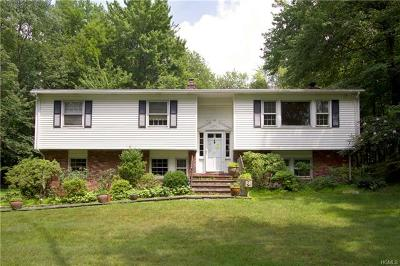 Chappaqua Single Family Home For Sale: 736 Hardscrabble Road