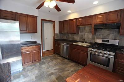 Walden Single Family Home For Sale: 86 East Avenue