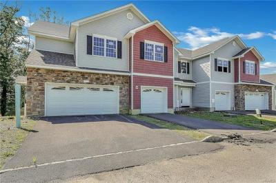 New Windsor Single Family Home For Sale: 305 Iron Forge Lane