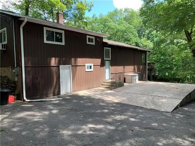 Croton-On-Hudson Single Family Home For Sale: 94 Mount Airy Road South