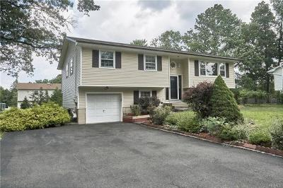 Rockland County Single Family Home For Sale: 27 Lancaster Drive
