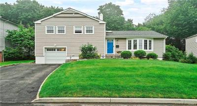 Hartsdale Single Family Home For Sale: 18 Hemlock Road
