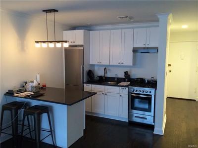 New Rochelle Rental For Rent: 828 Pelhamdale Avenue #2J