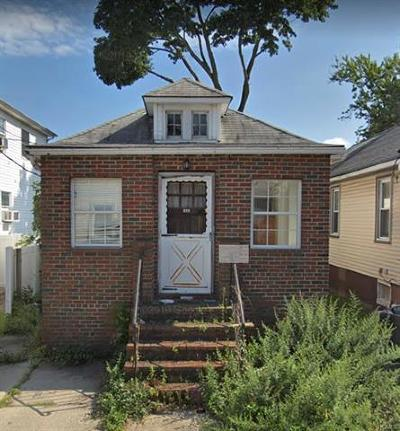 Bronx Single Family Home For Sale: 102 Carroll Street