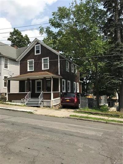Middletown Single Family Home For Sale: 132 Linden Avenue