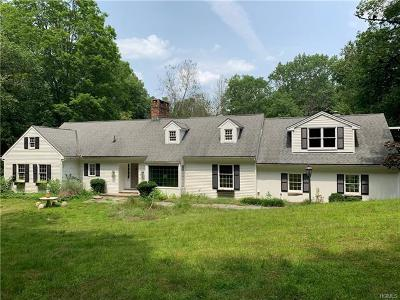 Westchester County Single Family Home For Sale: 136 Fox Lane